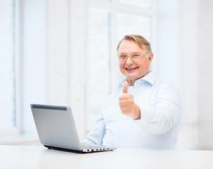 older man learning online